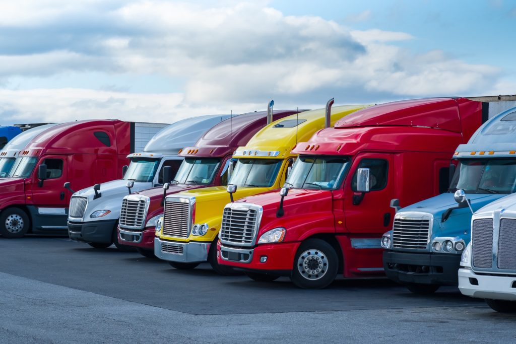 Top Tipsto KeepInMind Before Replacing Your Commercial Trucks