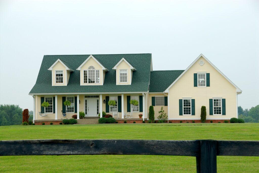 Farmhouse on farmland real estate